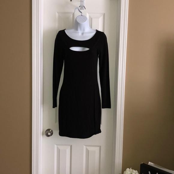 Guess peekaboo chest dress Tag fell off great fitting sleek